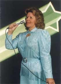 Carolyn Richards in song